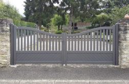 Portail-COCTEAU-Lames-alu-85x18-Barreaux-alu-75x18